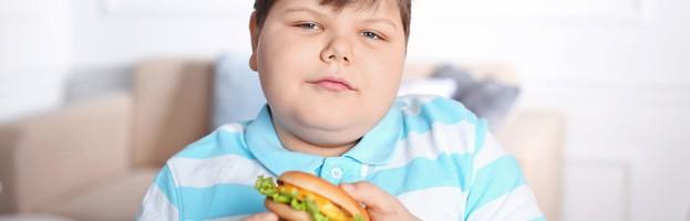 Aumenta la obesidad en menores y jóvenes